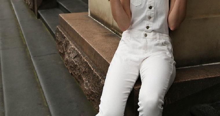 biały total look