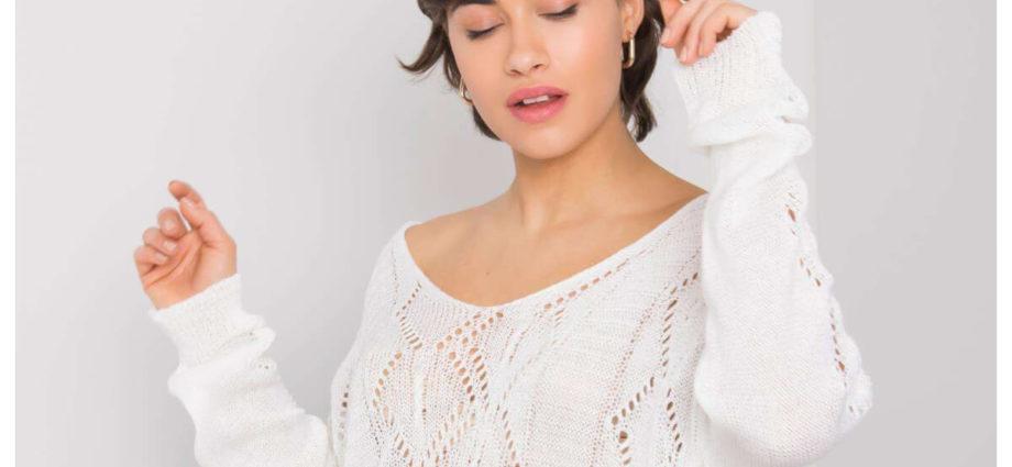 Ażurowy sweter damski w kolorze białym