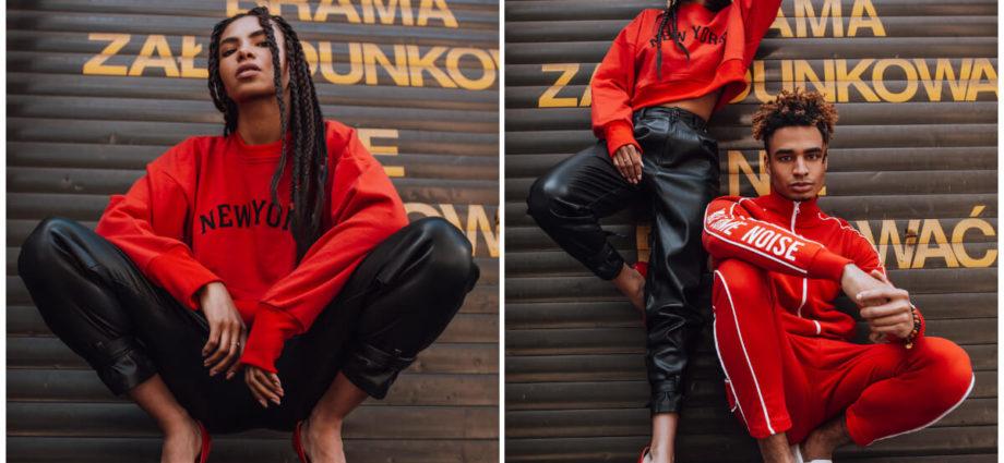Czerwona bluza z nadrukiem w miejskiej stylizacji