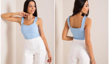 Pastelowe ubrania - jasnoniebieska bluzka na ramiączkach z falbanką