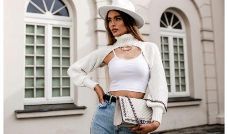 Stylizacja ze swetrem damskim w kolorze białym