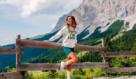 Kobiece i stylowe bluzy na jesień na nowy sezon
